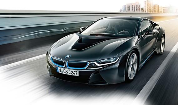 BMW i8 steht unter Hochspannung